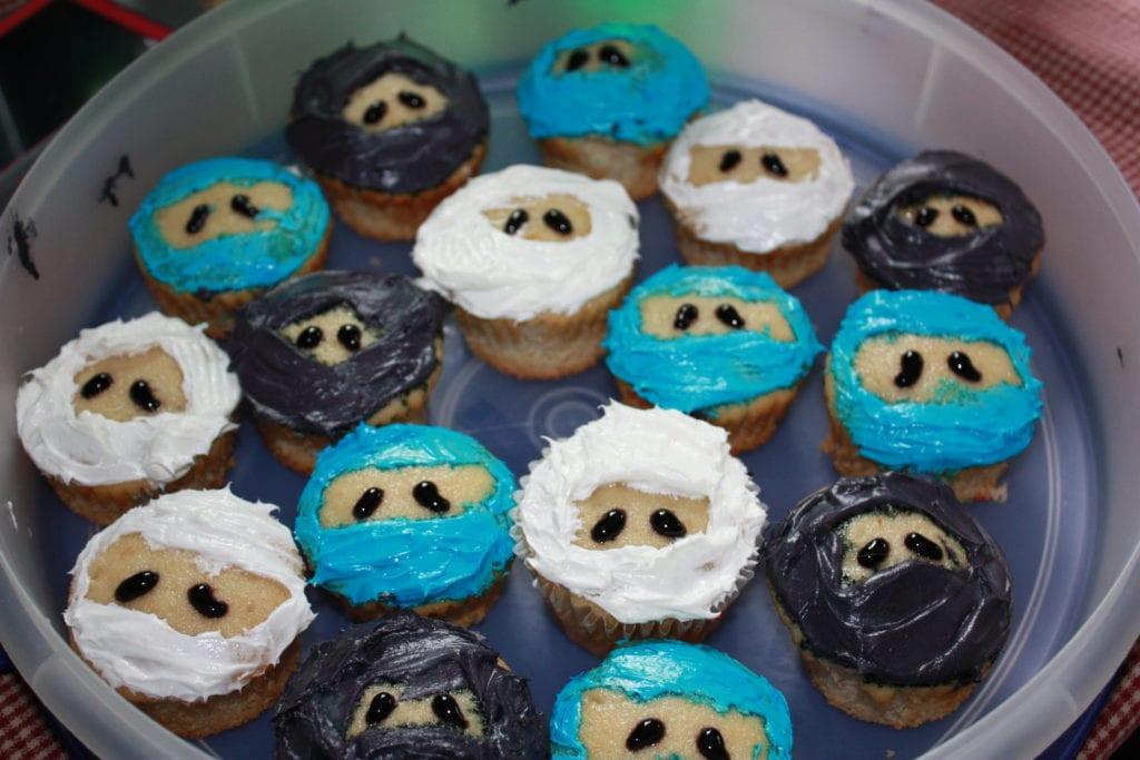 ninjago party cupcakes